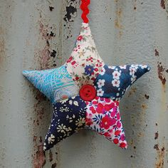 BLONDE DESIGN: Liberty Print Patchwork Star Tutorial