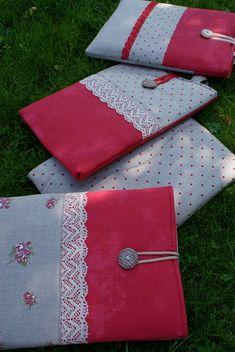 Laptop sleeve for a 13 inch Macbook/ linen/ zipper by sandrastju - Etsy