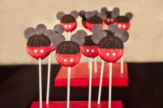 Mickey Oreo Pops at a Mickey Mouse Party #mickeymouse #oreo