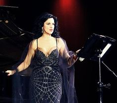 Angela Gheorghiu | Angela Gheorghiu a cucerit Bacăul Opera Singers, Musicians, Bodycon Dress, Formal Dresses, Classic, Artist, People, Beautiful, Fashion