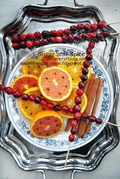 Sugar and Spice + Everything Nice: Mulled Apple and Cranberry Apple Cider