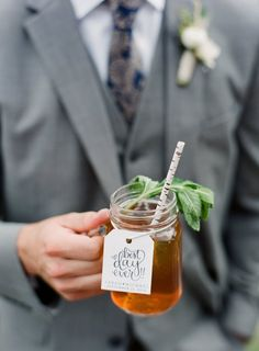 Classic iced tea cocktail: http://www.stylemepretty.com/north-carolina-weddings/waynesville-north-carolina/2016/05/04/may-the-fourth-be-with-you-and-this-elegant-star-wars-themed-wedding/ | Photography: Almond Leaf Studios - http://almondleafstudios.com/