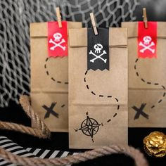 Pirate Birthday: everything for a child's birthday! Pirate Party Supplies, Pirate Party Favors, Pirate Party Decorations, Pirate Decor, Balloon Decorations Party, Mickey Mouse Clubhouse, Minnie Mouse Party, Cool Valentine Boxes, Homemade Valentines Day Cards