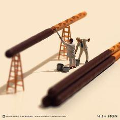 """. 4.14 mon """"Coating"""" . プリッツにチョコレートを塗ってポッキーにする仕事 ."""