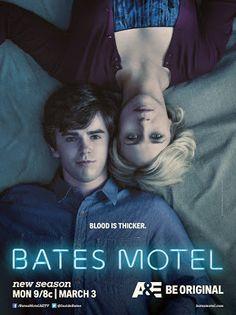 Após a misteriosa morte de seu marido, Norma Bates decidiu começar uma nova vida longe do Arizona, na pequena cidade de White Pine Bay, em Oregon, e leva o filho Norman, de 17 anos, com ela. Ela comprou um velho motel abandonado e a mansão ao lado. Mãe e filho sempre compartilharam uma relação complexa, quase incestuosa. Trágicos acontecimentos vai empurrá-los ainda mais. Todos eles agora compartilham um segredo obscuro.