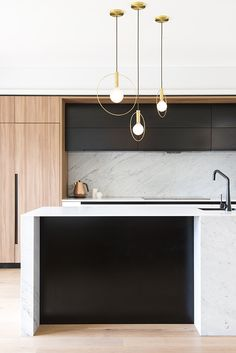 Modern Kitchen Interior Remodeling A sleek, modern kitchen Modern Kitchen Lighting, Modern Kitchen Design, Interior Design Kitchen, Modern Interior Design, Interior Decorating, Interior Styling, Kitchen Industrial, Kitchen Contemporary, Design Kitchen Island