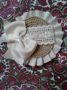 Pasador cordón Diy Headband, Headbands, Diy And Crafts, Paper Crafts, Beaded Angels, Craft Tutorials, Fabric Flowers, Hair Band, Hair Rods