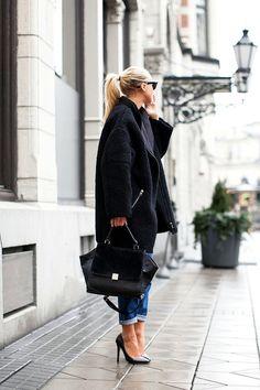 oversized & black. VT in Stockholm. #VictoriaTornegren