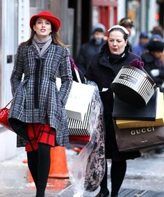 Queen b(blair waldorf) Trend Trendy Outfits Clothes Style Gossip Girls, Estilo Gossip Girl, Gossip Girl Outfits, Gossip Girl Fashion, Blair Fashion, Moda Blair Waldorf, Blair Waldorf Outfits, Blair Waldorf Style, Dan Humphrey