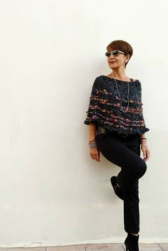 Fall winter best outfits for women over Fall Fashion Trends, Autumn Fashion, Fashion For Women Over 40, Knit Wrap, Knitted Poncho, Black Knit, Amazing Women, Fall Outfits, Knit Crochet