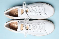 United Arrows x adidas Rod Laver Sock Shoes, Cute Shoes, Me Too Shoes, Rod Laver, Dress Up Boxes, Sneaker Heels, Clothespins, Shoe Closet, Shoe Box