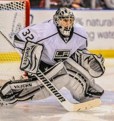 In my opinion, his paddle is too long - Quick - Hockey Goalie Goalie Gear, Hockey Goalie, Hockey Players, Hockey Baby, Ice Hockey Teams, Hockey Stuff, Sports Teams, Jonathan Quick, La Kings Hockey
