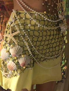 Mermaid Bra, Mermaid Outfit, Mermaid Makeup, Mermaid Skirt Costume, Tattoo Mermaid, Mermaid Tails, Mermaid Halloween Costumes, Halloween Outfits, Diy Costumes