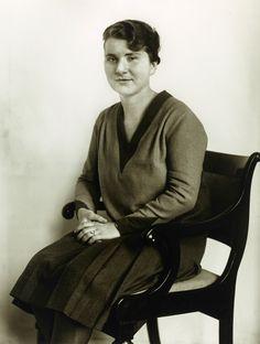 August Sander: Medizinstudentin, 1927