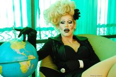My favorite queen from Sharon Needles. Sharon Needles, Queen Photos, I Am A Queen, Rupaul, Latest Movies, Girls Be Like, Good Movies, Pretty People, Amazing Women
