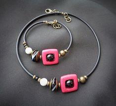 """Чёрный ирис""'s photos Suede Bracelet, Ring Bracelet, Bracelets, Pretty Necklaces, Beautiful Necklaces, Handmade Necklaces, Handmade Jewelry, Jewelry Art, Jewelry Necklaces"