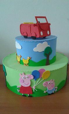 Bolo cenográfico Peppa Pig Peppa Pig, Bolo Fake, Birthday Cake, Desserts, Food, Decorating Cakes, Kids Part, Jelly Beans, Tarts