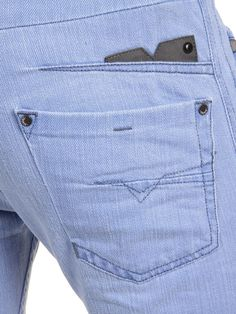 Diesel DARRON Tapered: Have a closer look at this stunning jean's back pocket details. Denim And Lace, Wrangler Jeans, Denim Jeans Men, Denim Shirt, Denim Fashion, Menswear, Skinny, Shirts, Clothes