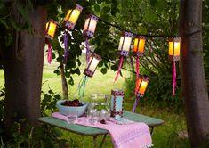 Donnez un air de fête à votre jardin avec ces lumineuses briques de lait. Matériel 10 briques de lait en carton 1 guirlande électrique à garnir de 10 ampou