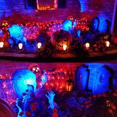 Outdoor decorations on Halloween Forum