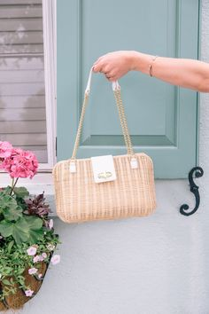 802c8589212c The it-texture of the season  Wicker creates an enviable bag perfect for  every