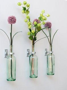 bottles with flowers wall decor, www.vidainsolita.files.wordpress.com