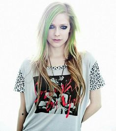 Really awesome picture of Avril Lavigne!!!