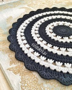 Crochet rug pattern from t-shirt yarn \ crochet mandala \ crochet project for home Mandala Rug, Doily Rug, Crochet Doilies, Crochet Rug Patterns, Crochet Mandala Pattern, Embroidery Patterns, Blanket Patterns, Crochet Kitchen, Crochet Home
