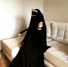 The relationship between global self-esteem and dental self-confidence suggests the need to draw attention to psychological aspects involved in the treatment in order to promote. Hijab Niqab, Mode Hijab, Hijab Outfit, Niqab Fashion, Muslim Fashion, Islamic Fashion, Women's Fashion, Muslim Girls, Muslim Women
