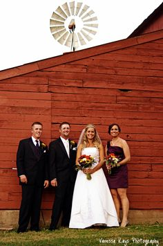 great shot with the best man and maid of honor...like for us!