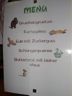 Natürlich durfte ein Grüffelofrühstück nicht fehlen:   Das Plakat gestalteten wir gemeinsam mit den Kindern.         Die Menukarte:       G...