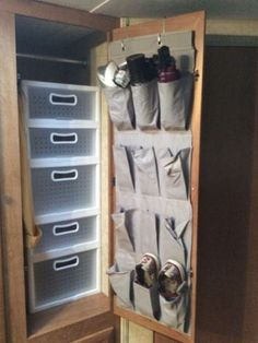 Camper Hacks Organization for Camping Decorating on a Budget - PintoPin Van Storage, Trailer Storage, Camper Storage, Clothes Storage, Cool Campers, Rv Campers, Camper Trailers, Camper Van, Happy Campers