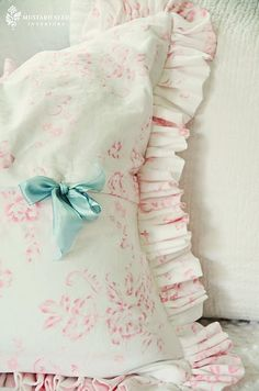 Shabby Chic inspired pillow... Miss Mustard Seed