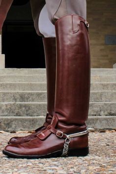 Equestrian ~ STUNNING boots that probably cost more than my college tuition. lick them and enjoy ! Men's Equestrian, Equestrian Outfits, Equestrian Fashion, Mens Riding Boots, Horse Riding Boots, Leather Men, Leather Boots, Me Too Shoes, Men's Shoes