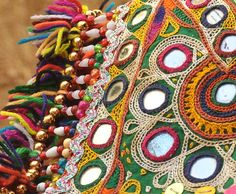 This video by Indian Artizans is on Ahir embroidery of Gujrat is the most enchanting art-craft of India. Vibrant colours, pat untwisted silk threads and a fabric par excellence. Cushion Embroidery, Embroidery Fashion, Embroidery Applique, Embroidery Stitches, Indian Embroidery Designs, Embroidery Designs Online, Handbags Online Shopping, Shopping Sites, Kutch Work Designs