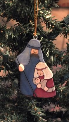 Tole Painted Wood Nativity Christmas Ornament / lovely for house door hangers on Three Kings (rain ?)