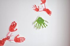 hand & foot print lobsters. perfect summer craft. weekly summer project. learn about oceans animals.