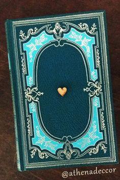 Detalhes de Casamento - Livros nas decorações! A gente ama!