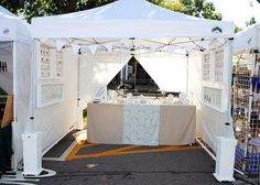 Wall displays with nice clean lines. Use of wall space in craft booth is clever for jewelry display Stall Display, Craft Booth Displays, Display Ideas, Craft Booths, Vendor Displays, Display Case, Jewelry Booth, Jewellery Display, Craft Font
