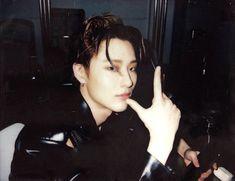 Polaroid, Love Me Harder, Babe, Famous Men, Kpop Boy, Record Producer, Man Crush, Asian Men, K Idols