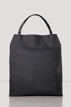 21 Totes Perfect Everyday Bags #refinery29  http://www.refinery29.com/65439#slide-21