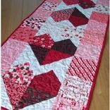 ~ Charming Hearts Table Runner ~ Pattern....