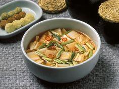 Kimchisuppe auf koreanische Art - smarter - Zeit: 30 Min. | eatsmarter.de