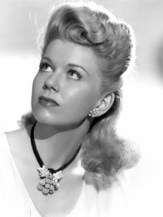 Doris Day.Doris Day (born Doris Mary Ann Kappelhoff, April 3, 1922 or 1924) is an American actress, singer, and animal rights activist.