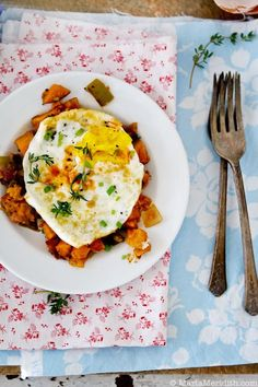 Chile-Sweet Potato Hash with Fried Eggs | Recipe on MarlaMeridith.com © MarlaMeridith.com