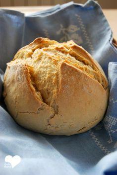 Pan exprés (para debutantes) Salty Foods, Types Of Bread, Flan, Coconut Milk, Scones, Buffet, Quiche, Rolls, Gastronomia