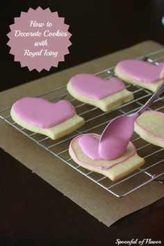 How to Decorate Cookies with Royal Icing ~ Tips and Techniques to help you create beautiful cookies! site included recipe for cookies and royal icing Cookie Icing, Royal Icing Cookies, Cupcake Cookies, Sugar Cookies, Cookies Et Biscuits, Iced Cookies, Royal Frosting, Twix Cookies, Flower Cookies