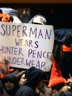 Hunter Pence signs are the best lol Sf Giants Game, Hunter Pence, 2014 World Series, San Francisco Giants Baseball, Moving To San Francisco, Buster Posey, G Man, Sports Baseball, Baseball Quotes