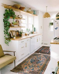 15 Awesome Bohemian Kitchen Design Ideas For Comfortable Cooking – All For Decoration Bohemian Kitchen Decor, Home Decor Kitchen, Kitchen Interior, New Kitchen, Home Kitchens, Kitchen Ideas, Design Kitchen, 1970s Kitchen, Kitchen Decorations