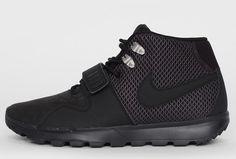 Nike SB Trainerendor Mid ACG 'Blackout' (Detailed Pics)